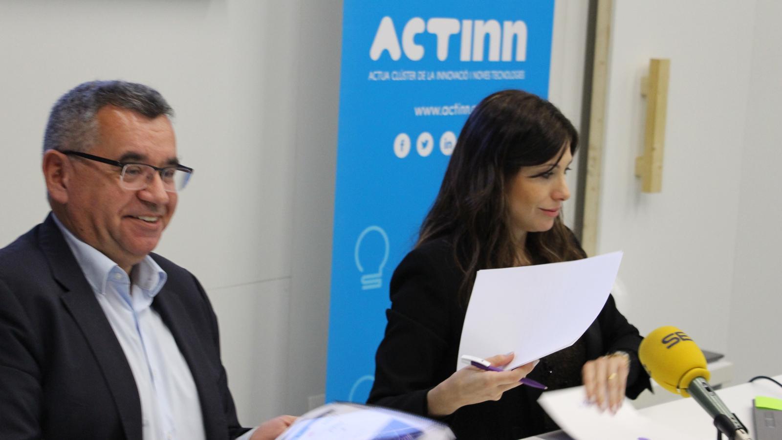 El president d'ACTinn, Albert Moles, i la clúster manager, Vanesa Arroyo, durant la roda de premsa.