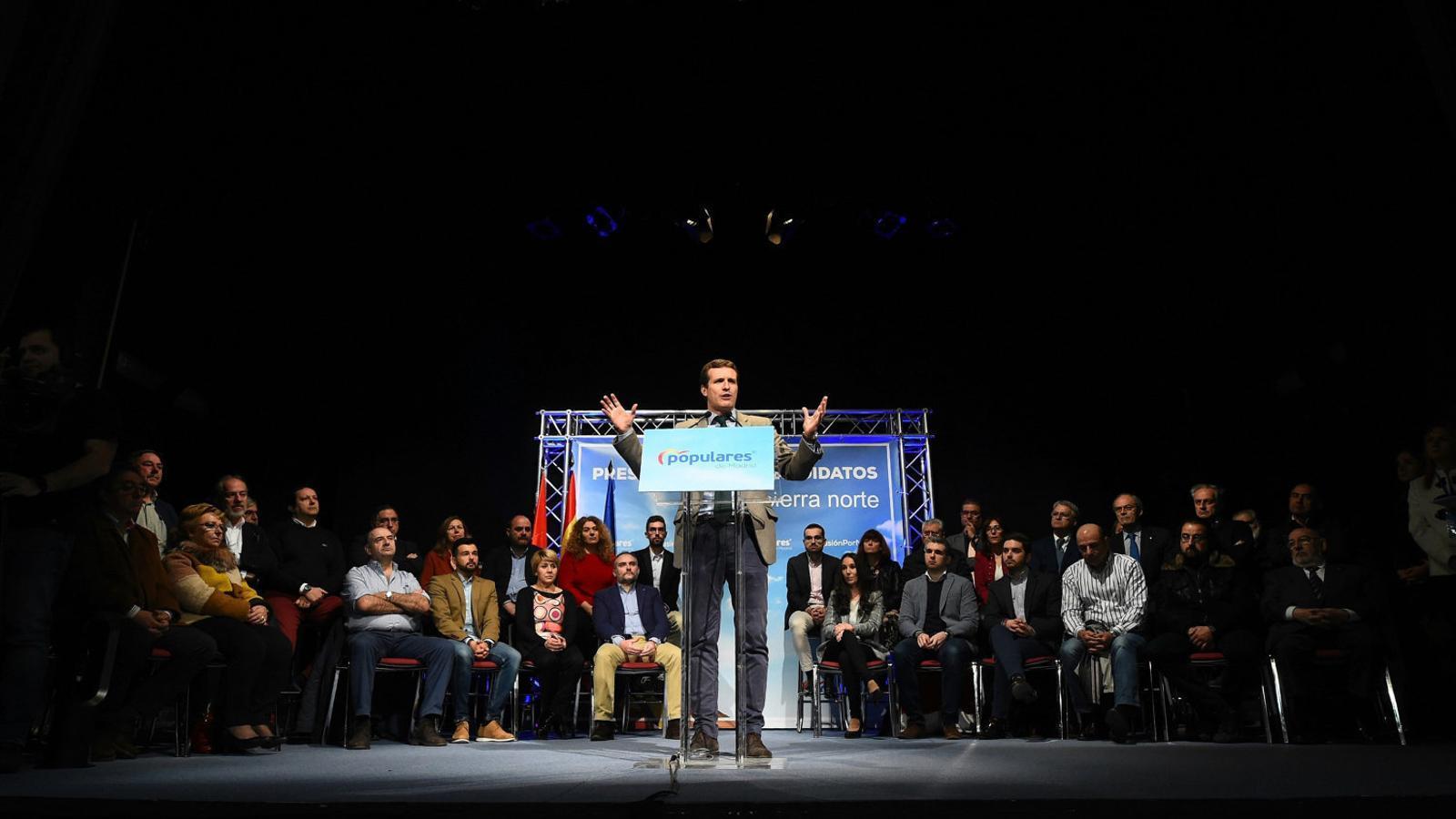 El president dels populars, Pablo Casado, durant l'acte electoral que va fer ahir a Torrelaguna, a la Comunitat de Madrid.