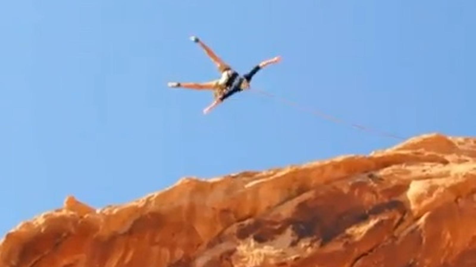 El salt amb corda més gran del món arrasa a la xarxa