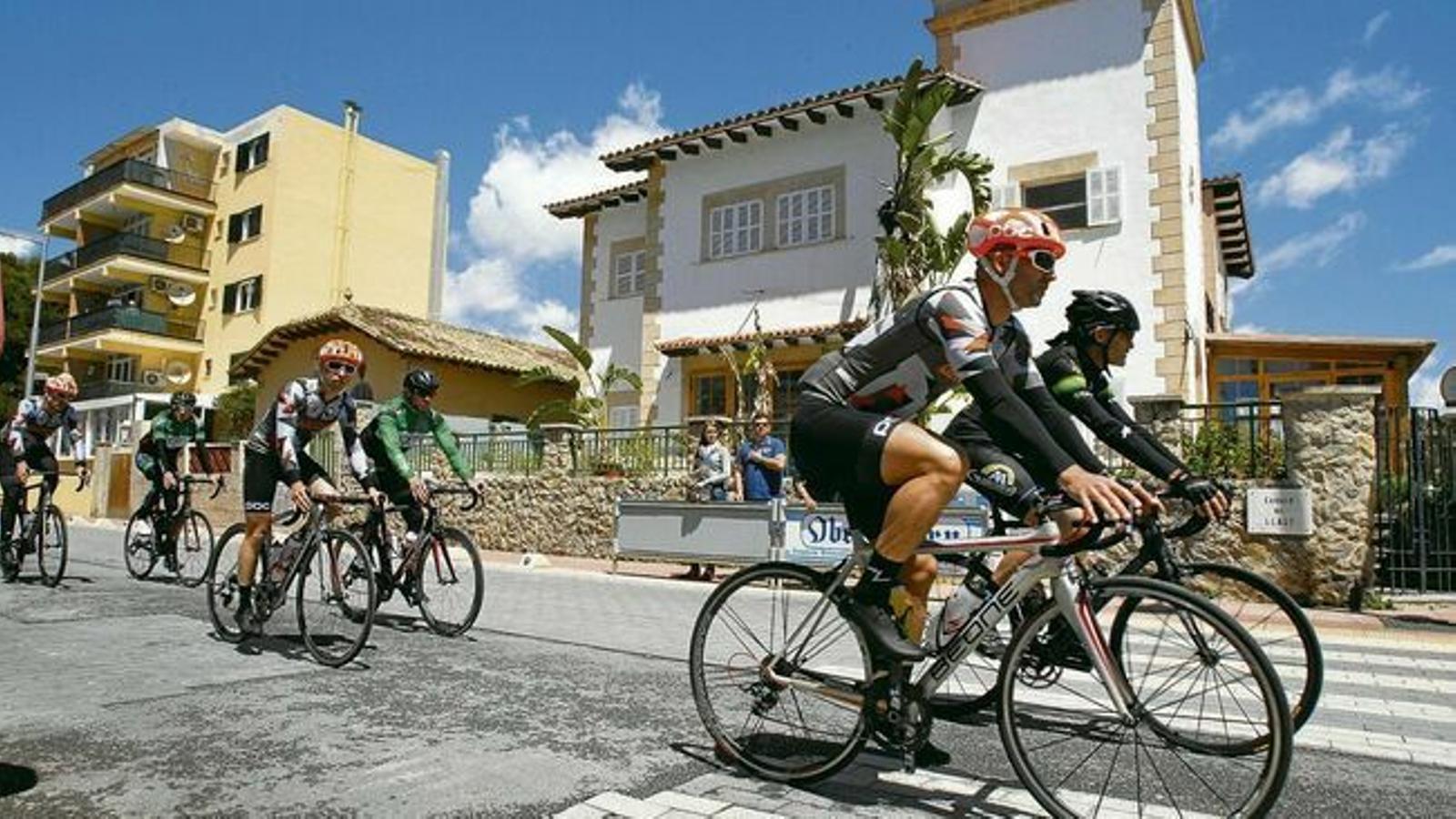 Mallorca es converteix durant l'abril en el principal destí cicloturístic del món