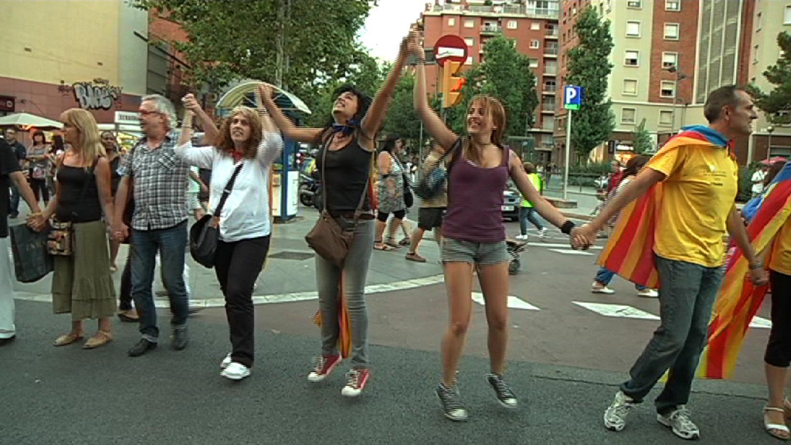 Com es cou la Via Catalana: la feina dels voluntaris i els assajos sobre el territori