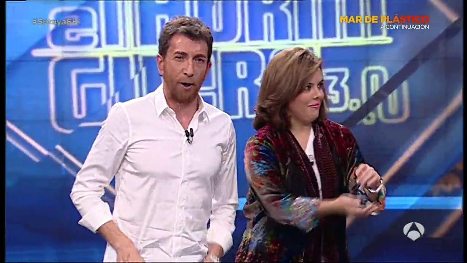 No només Iceta: Soraya Sáenz de Santamaría també balla
