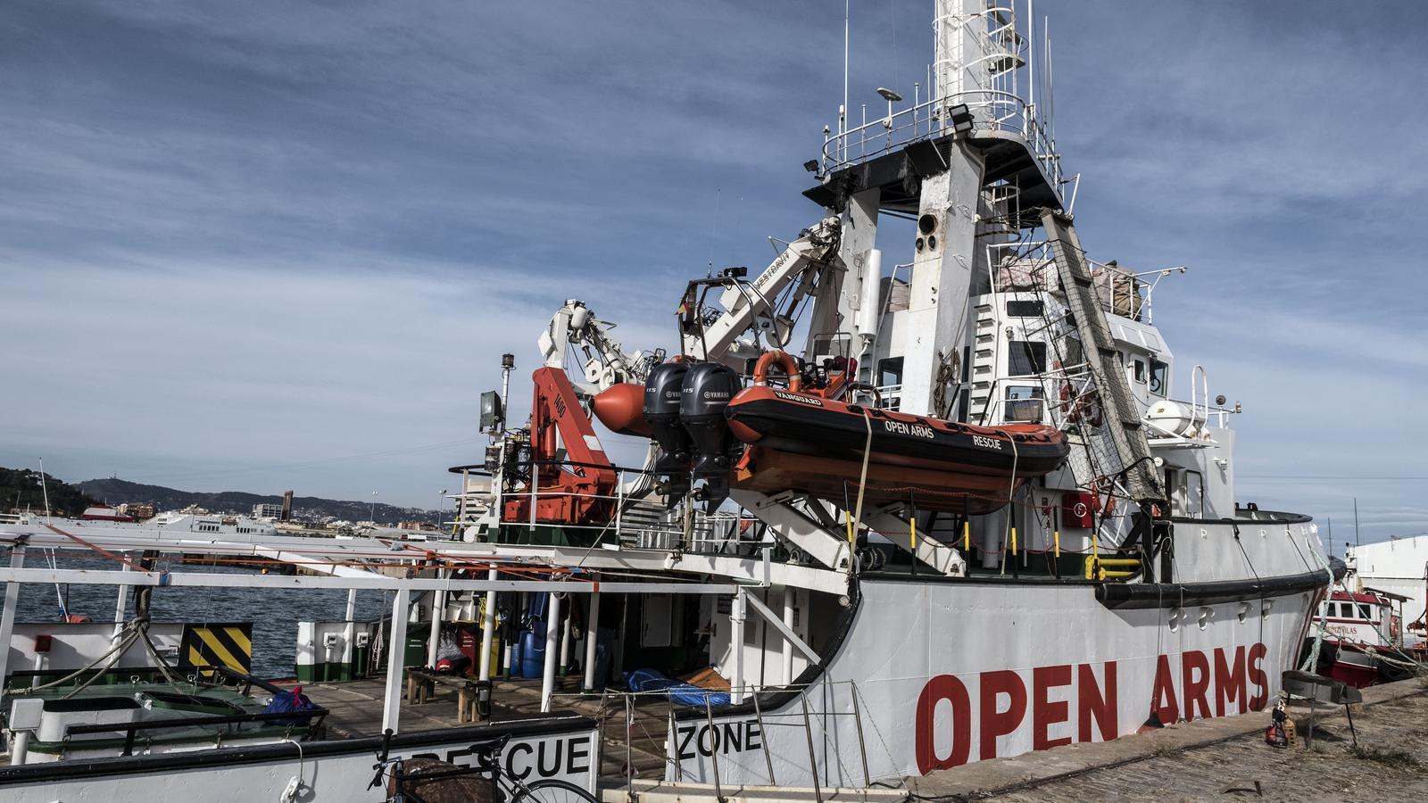 """Oscar Camps: """"L''Open Arms' és massa vell, si no podem reparar-lo a fons o comprar un vaixell nou haurem de plegar"""""""