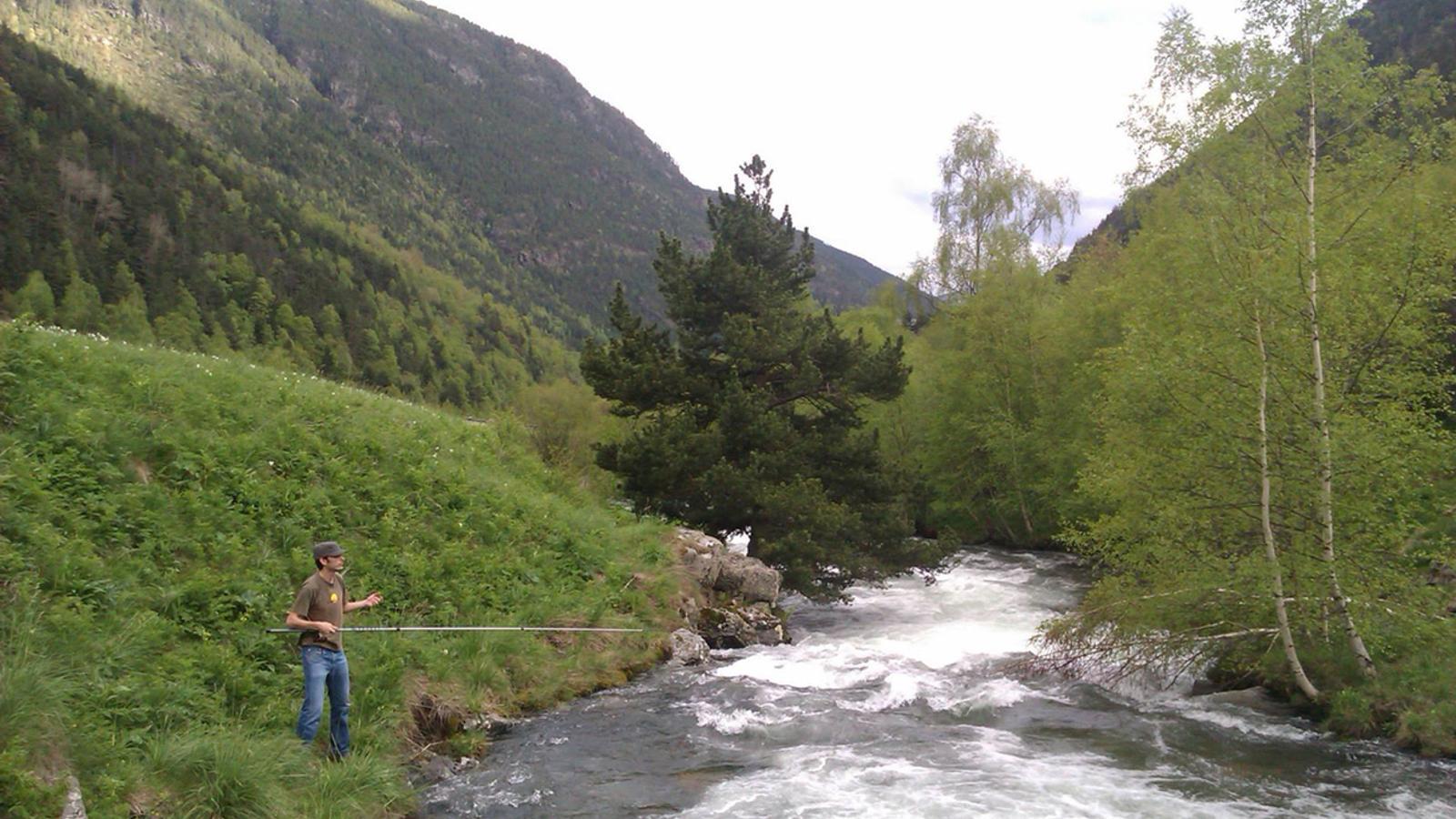 La temporada de pesca per a tots els rius acotats s'obre aquest dissabte / ANA