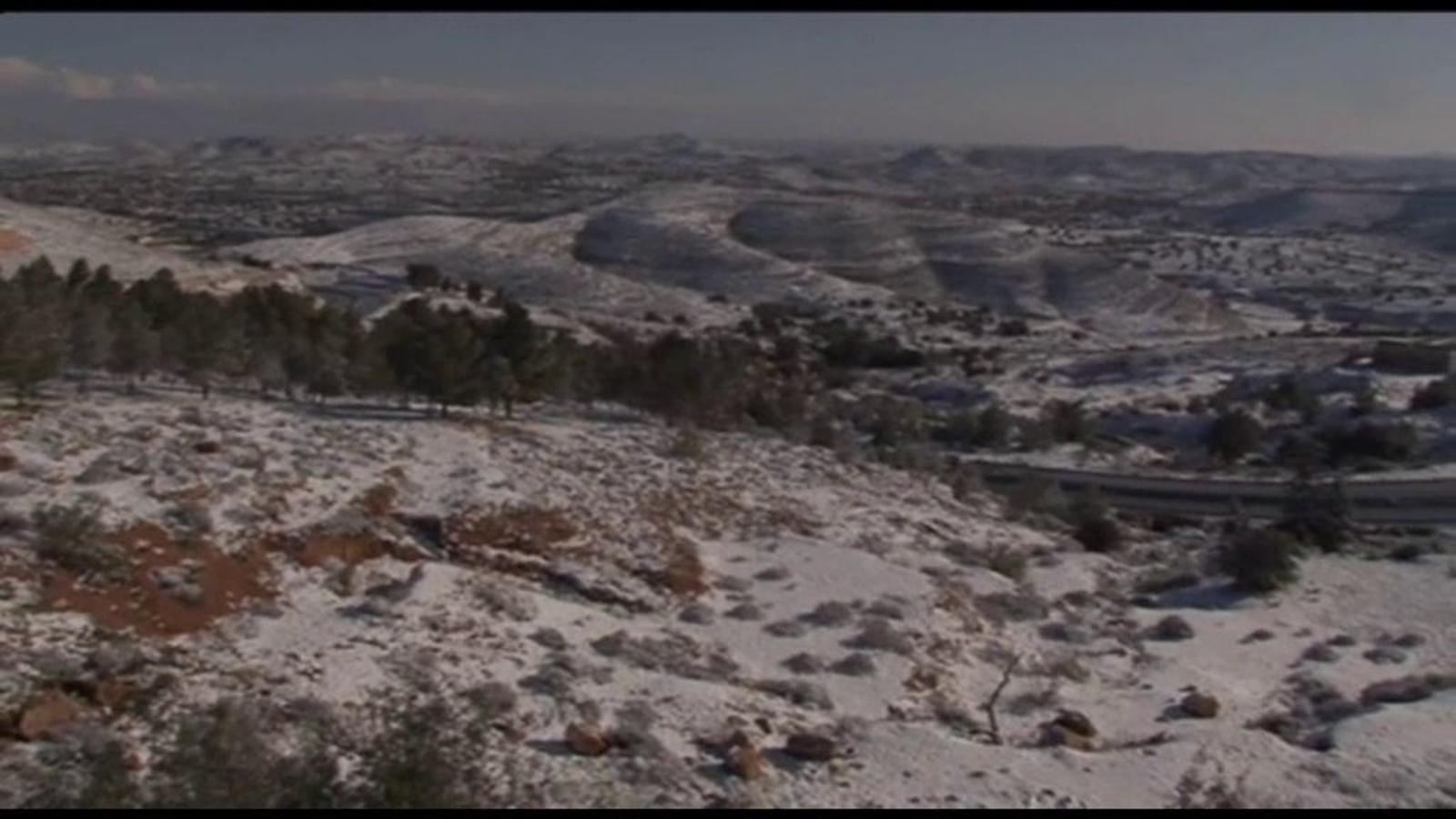 L'onada de fred creua el Mediterrani i arriba a Líbia, al nord d'Àfrica