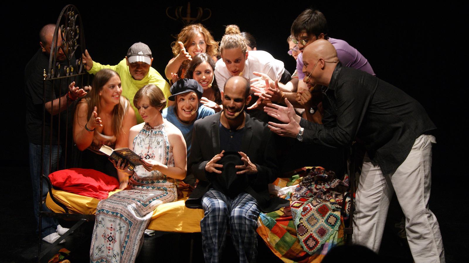 El g njol presenta el musical 39 la nit del giny 39 a ma anet for El tiempo en macanet de la selva