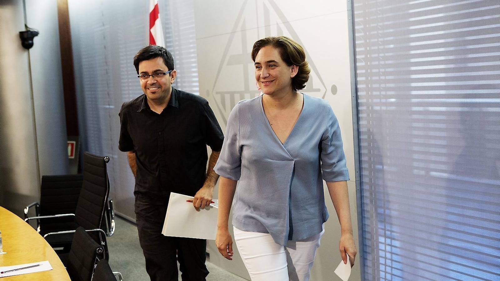 Gerardo Pisarello i Ada Colau / MANOLO GARCÍA