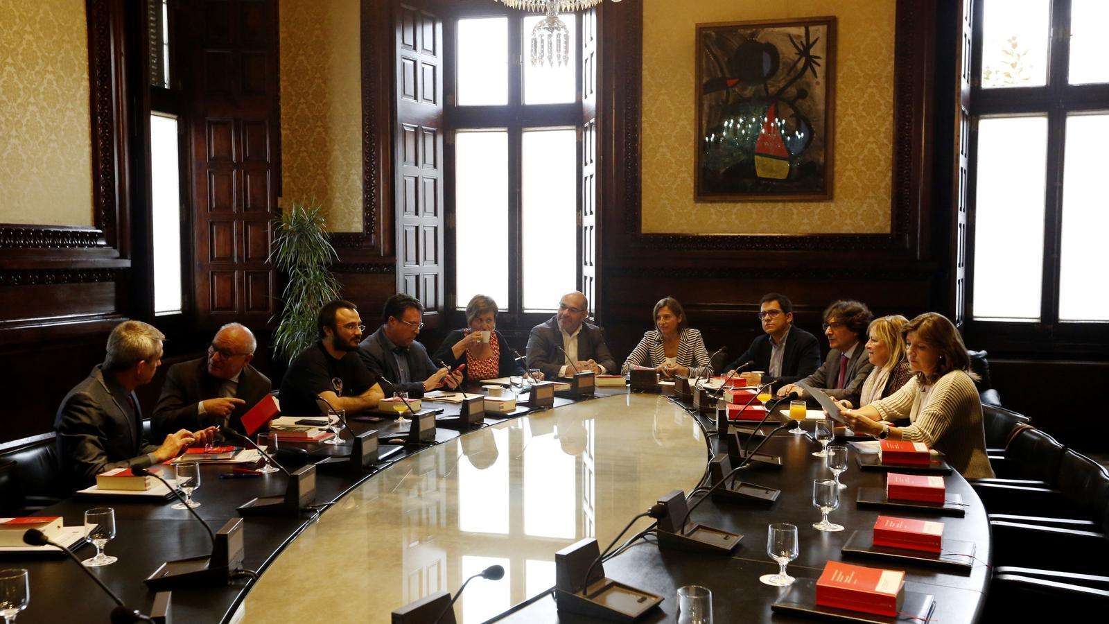 Puigdemont compareixerà dilluns al Parlament per traslladar els resultats de l'1-O