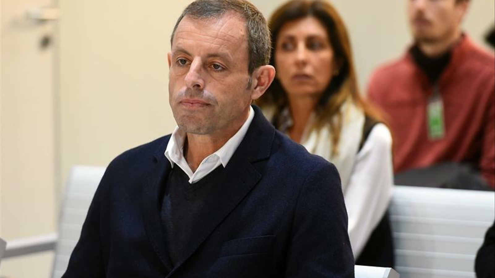 Sandro Rosell, a l'Audiència Nacional. Al darrera, la seva dona, Marta Pineda
