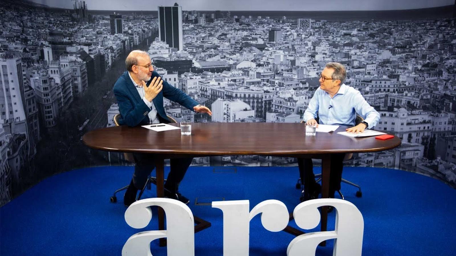 Entrevista d'Antoni Bassas a Xavier Vives