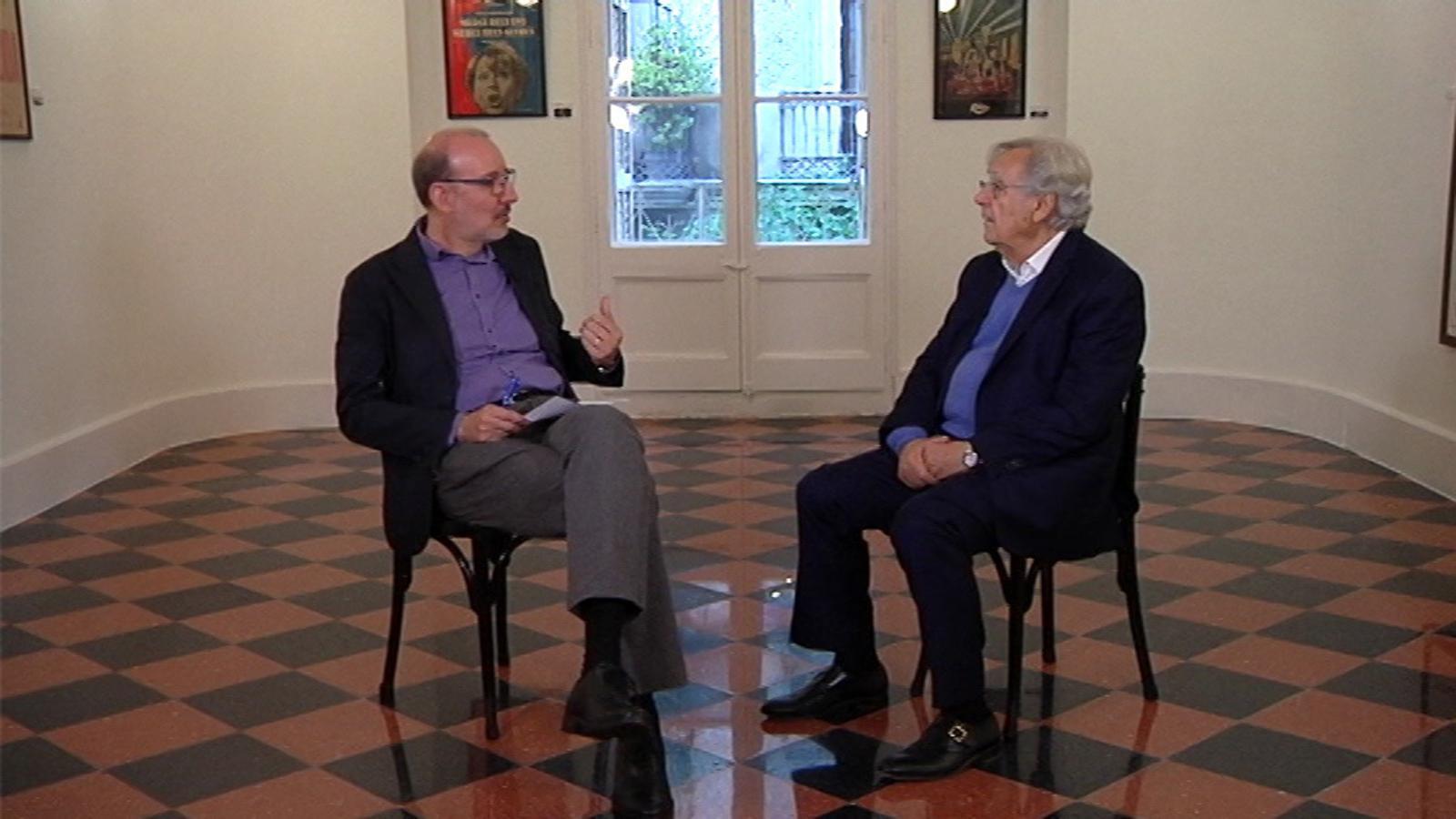 """Bernard Pivot: """"El pa i el vi no estan amenaçats. El llibre tampoc perquè en necessitem"""""""