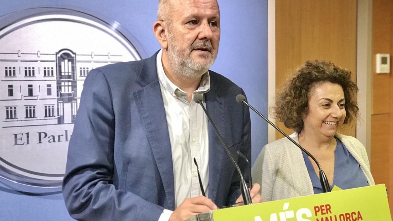 Miquel Ensenyat durant la roda de premsa