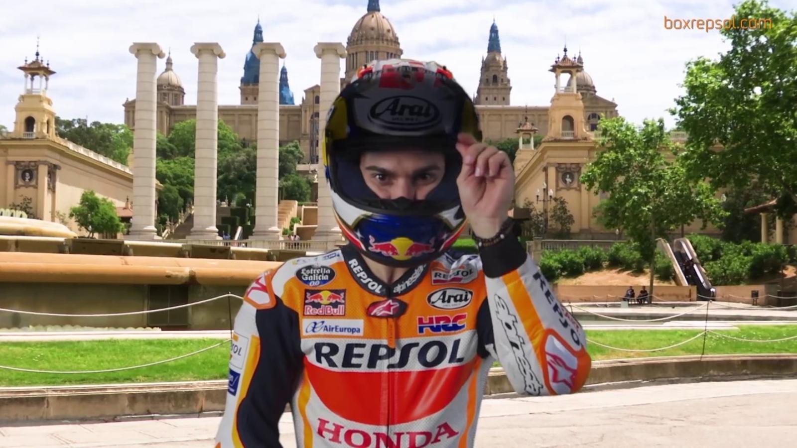 Marc Márquez i Dani Pedrosa passegen per Barcelona per promocionar el Gran Premi de Catalunya