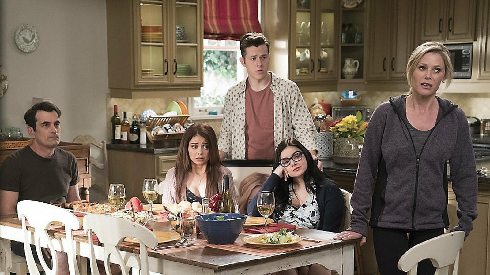 01. Modern family, l'última comèdia clàssica d'èxit mundial, està rodant la seva última temporada. 02. Tot i haver-se estrenat fa 25 anys, Friends domina les audiències de Netflix.
