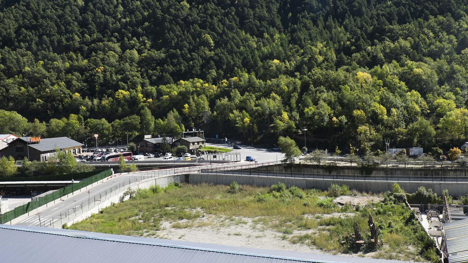 La parcel·la on es començarà a desenvolupar el parc fluvial aquest 2018. / C.G. (ANA)