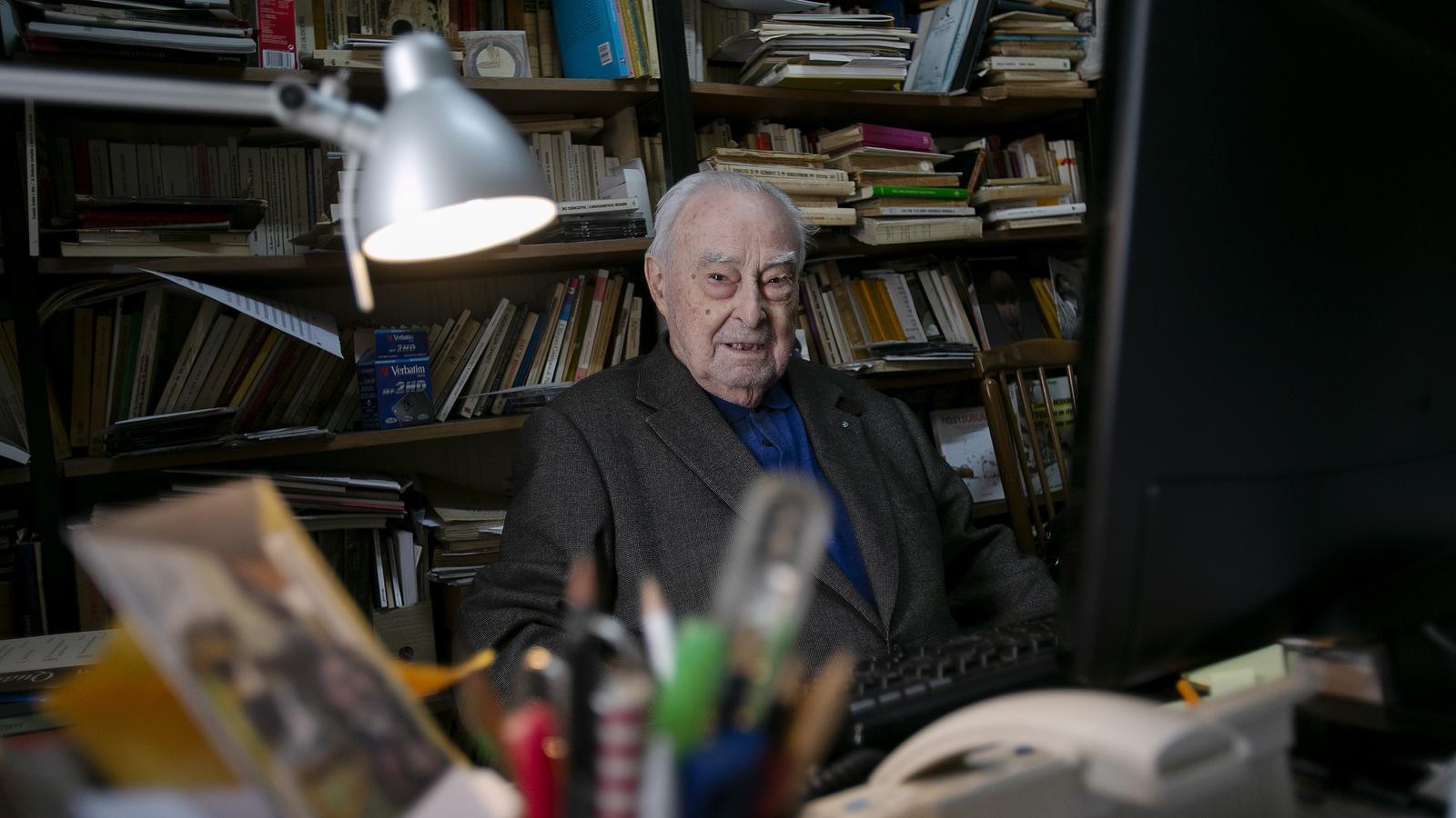 """Adeu a Arnau Puig, el filòsof """"antiacadèmic"""" de Dau al Set i generós amb els joves"""