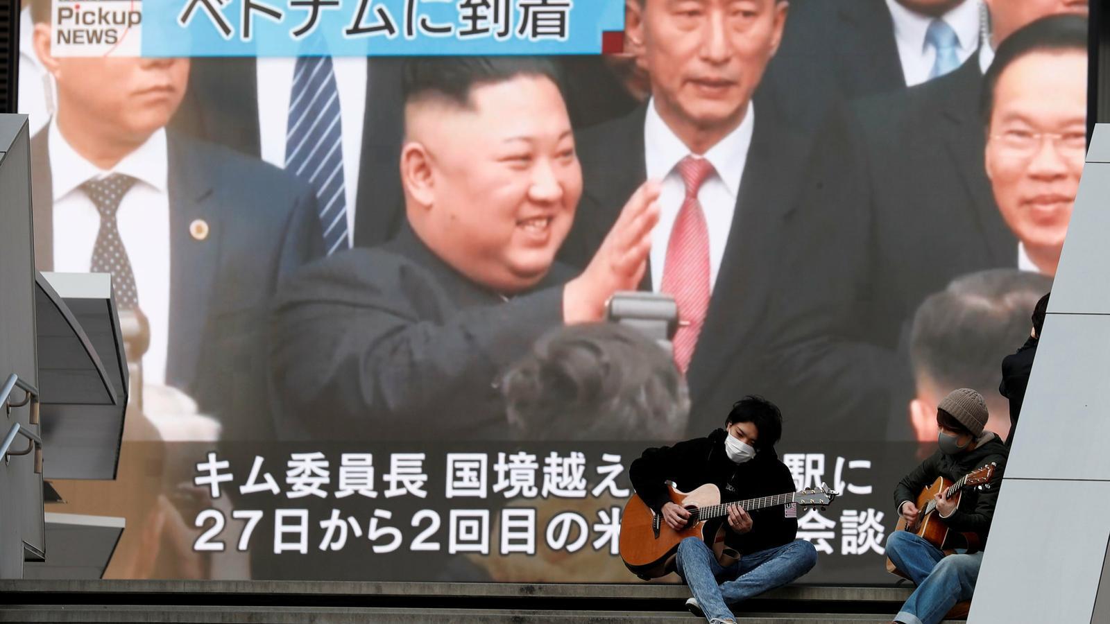 Kim Jong-un s'emmiralla amb el Vietnam