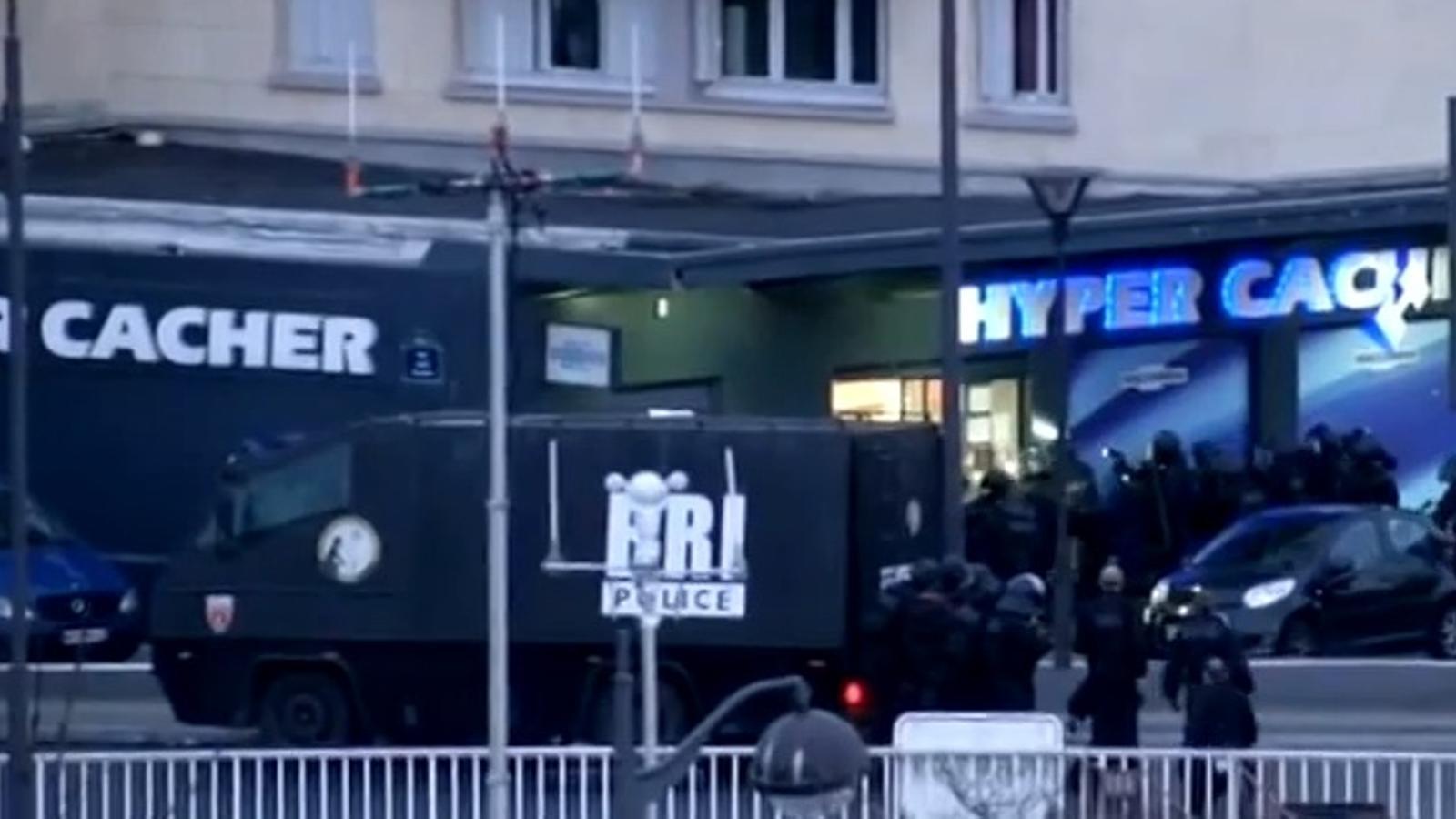 El moment de l'assalt al supermercat de París