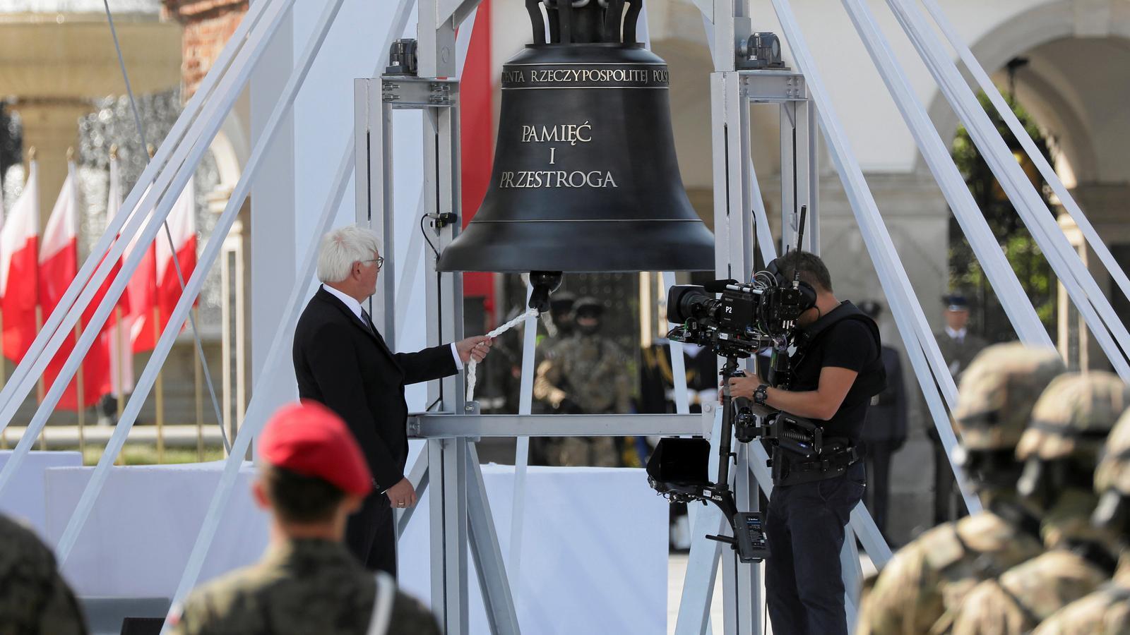 """""""M'agenollo davant de les víctimes poloneses de la tirania alemanya i demano perdó"""""""