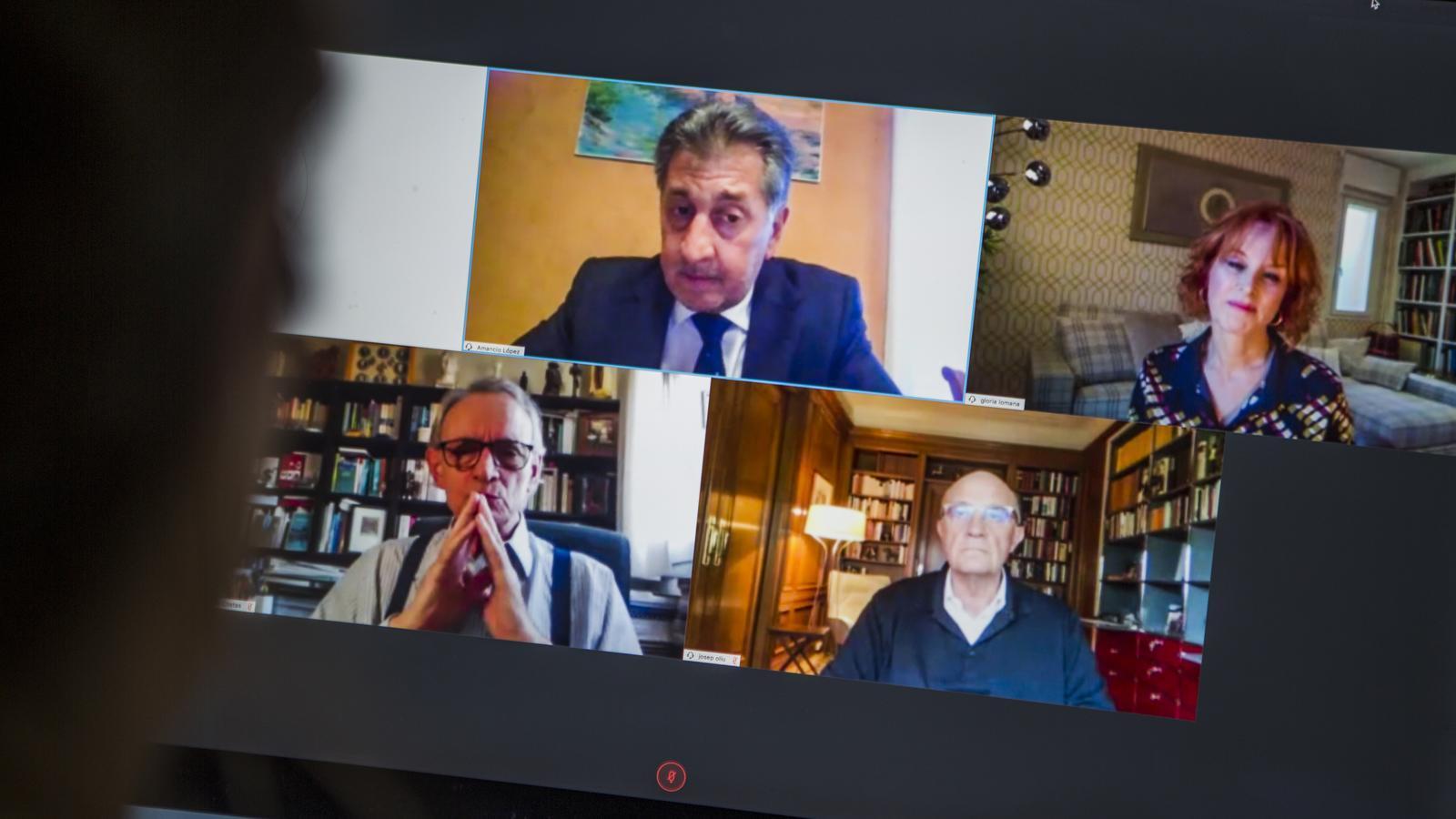 Trobada de Josep Oliu i Anton Costas i moderadora Gloria Lomana a travès del grupo Hotusa