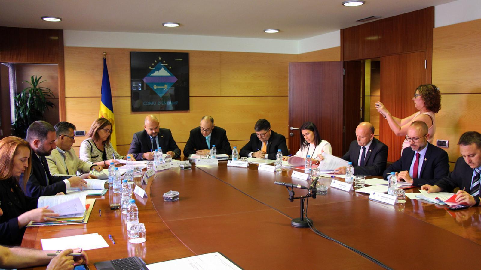 Sessió del consell de comú d'Encamp celebrada aquest divendres al Pas de la Casa. / T. N. (ANA)