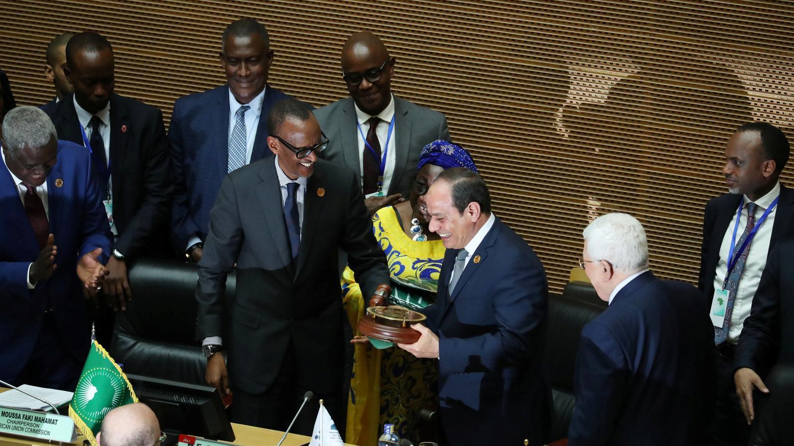 Al-Sissi es corona faraó de l'Àfrica amb el camí lliure per eternitzar-se al poder
