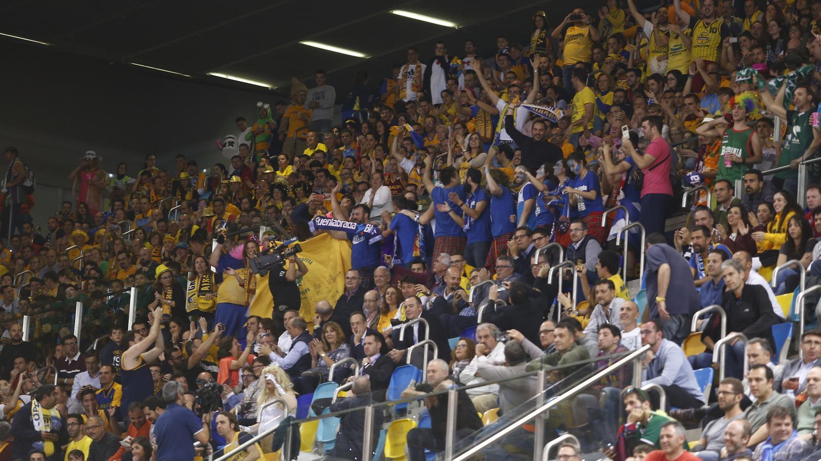 Aficionats durant un dels partits de quarts de final