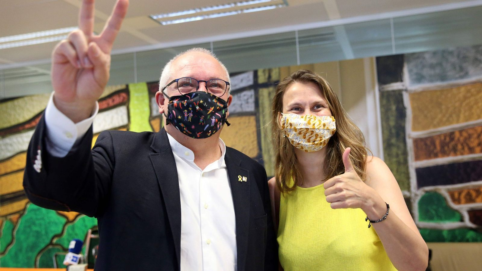 Lluís Puig i Meritxell Serret, després de la conferència de premsa a Brussel·les