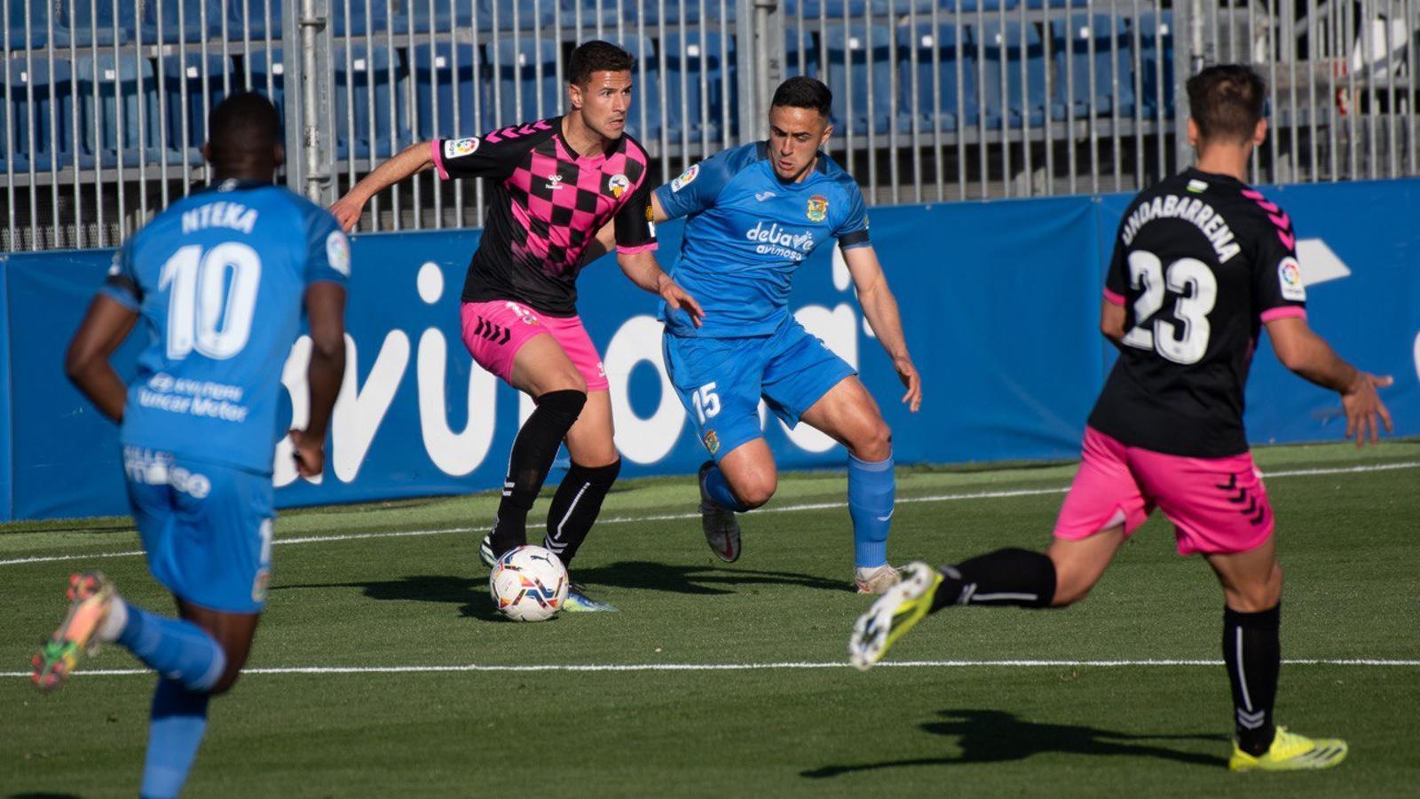 El Sabadell rescata un punt a Fuenlabrada (2-2)