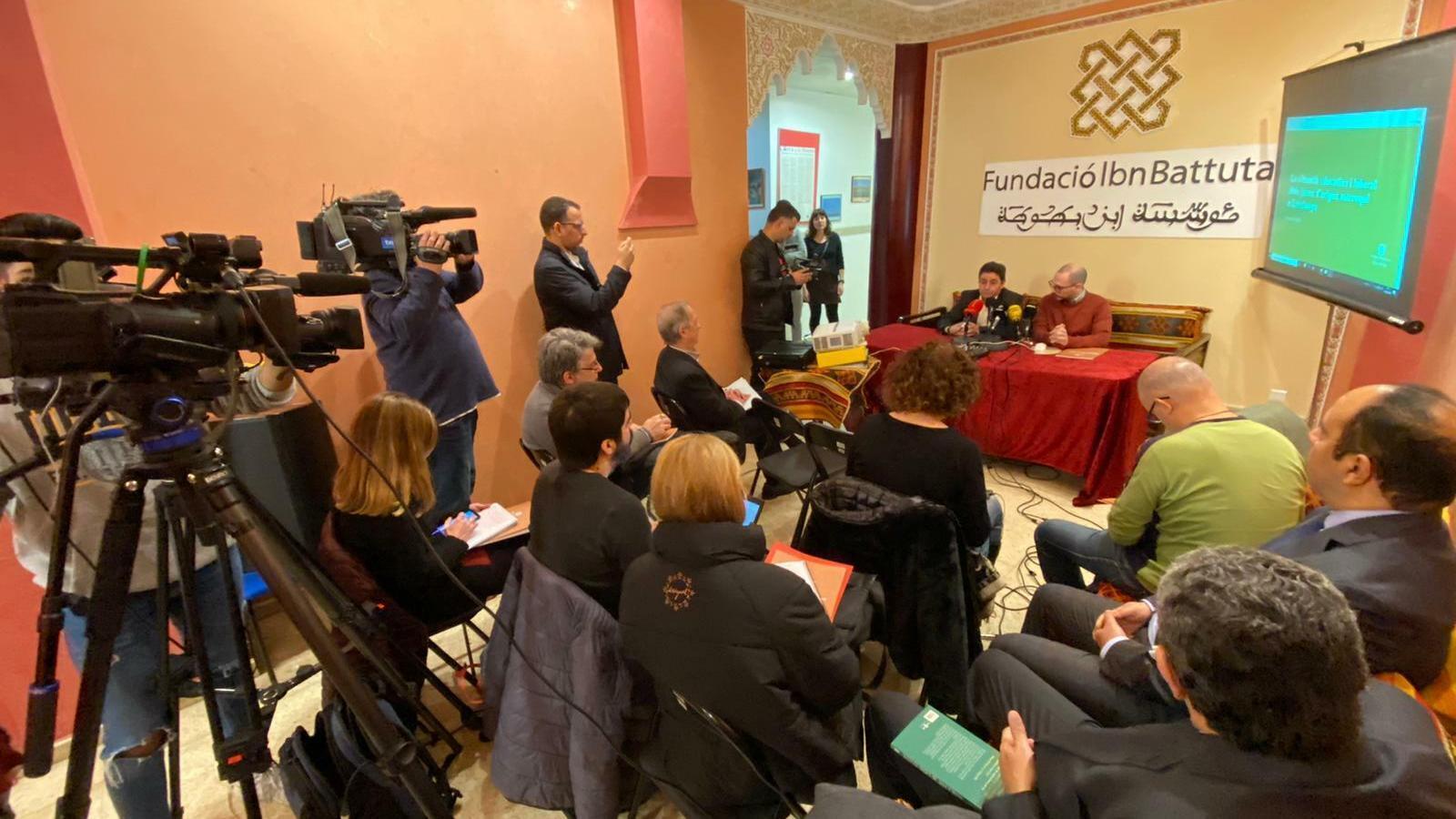 Els portaveus de la Fundació Ibn Battuta, durant la presentació de l'informe, aquest dijous