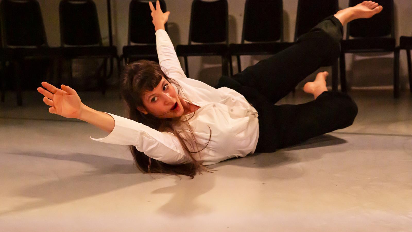 Solène Weinachter protagonitza 'Antígona, Interrupted'