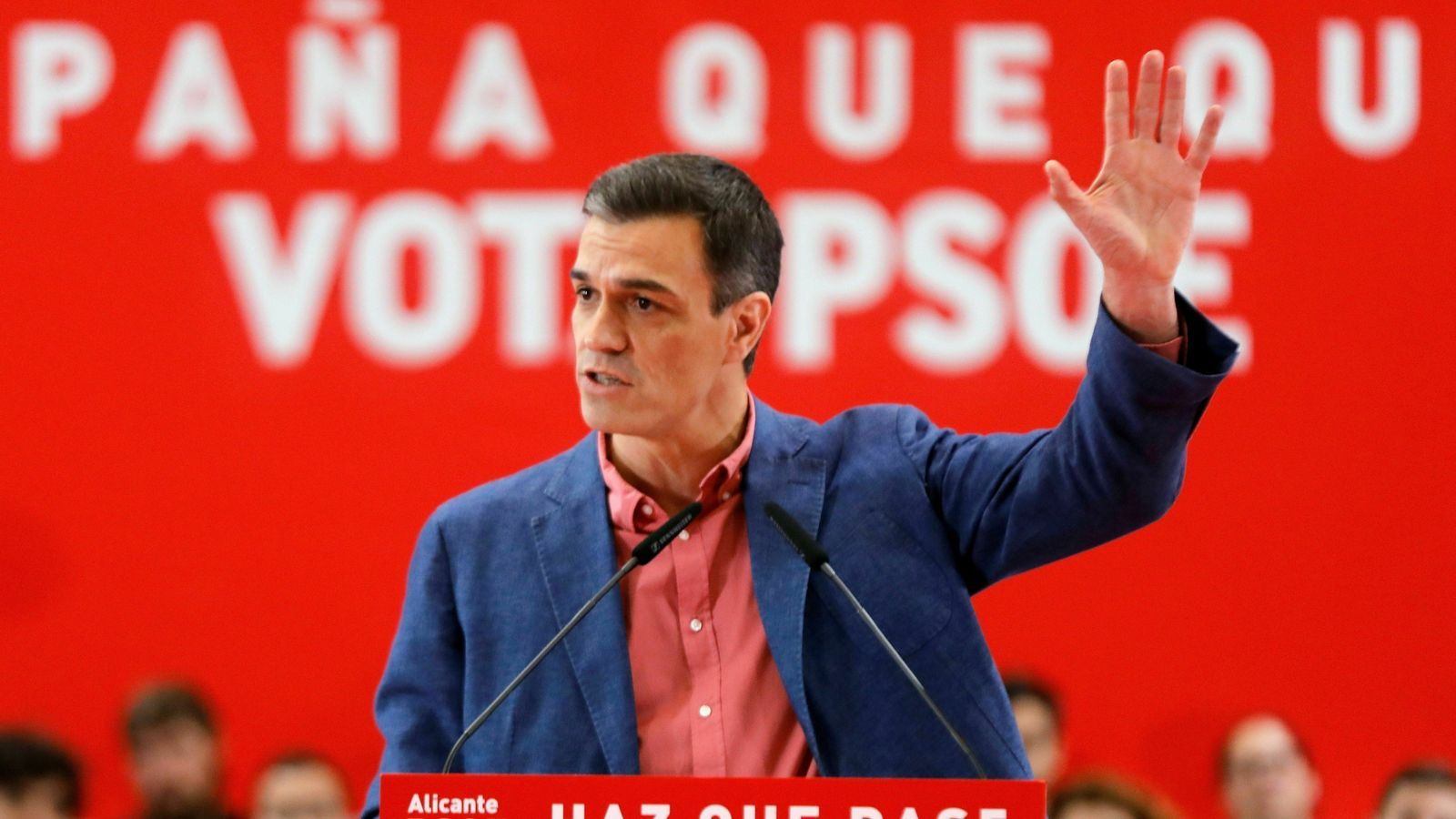 El PSOE concentra el vot i allunya  la dreta