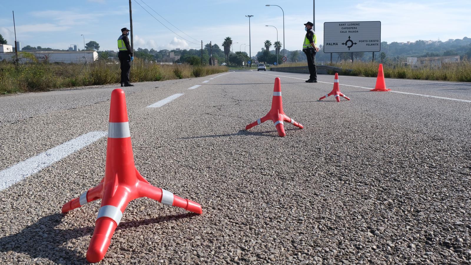 Control de carretera a un dels accessos de Manacor.