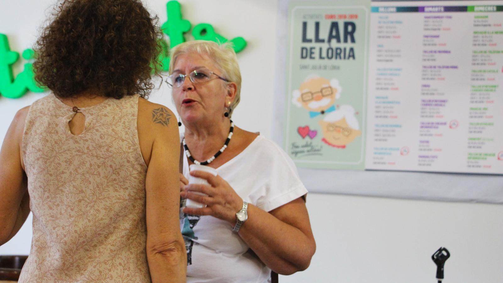 Presentació de les activitats de la Llar de Lòria per part dels professors. / T. N. (ANA)