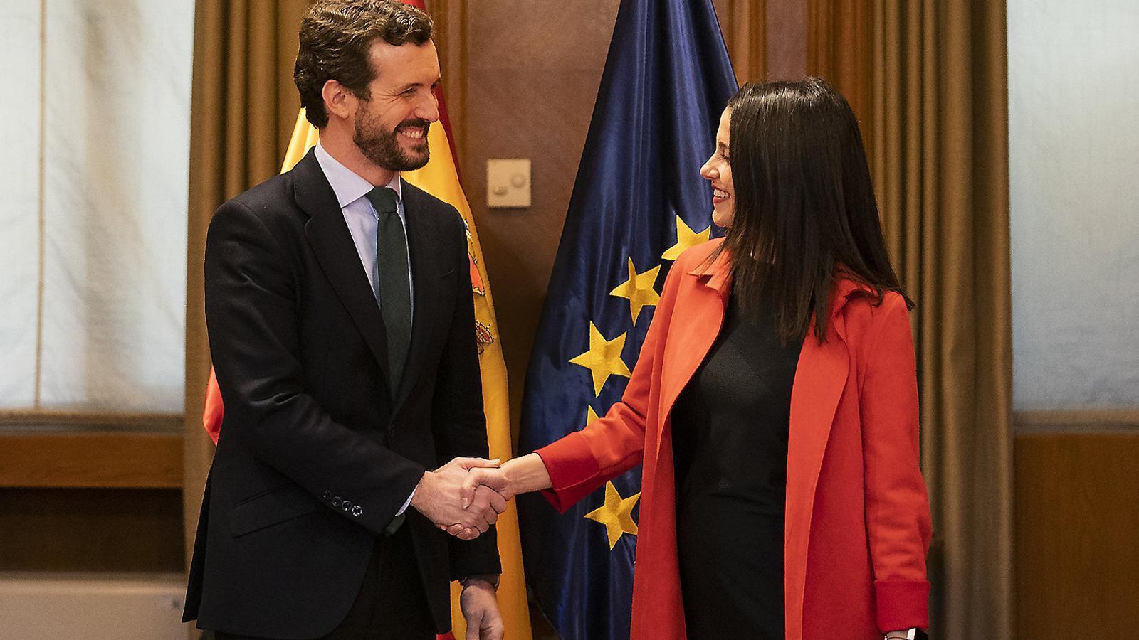 Casado i Arrimadas al febrer en una reunió per abordar les coalicions electorals.