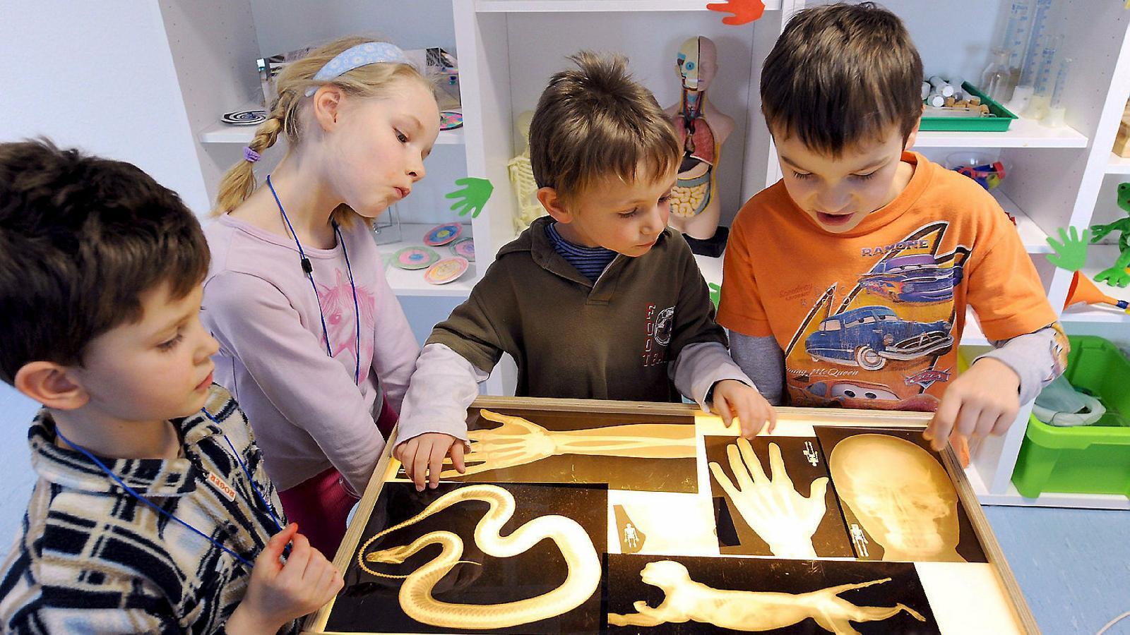 Uns nens en una guarderia a Alemanya. Per llei, totes les famílies tenen dret a portar-hi els infants a partir dels 12 mesos.