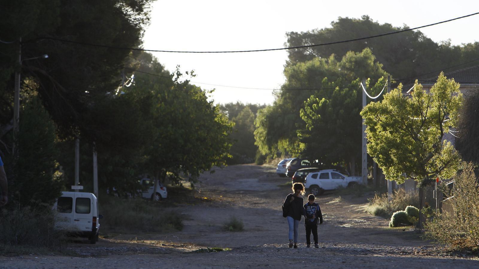 URBANITZACIONS  01. Bellavista. 02. L'Olivaret. 03. El Secar de Son Sardina. 04. Son Verí de Baix.