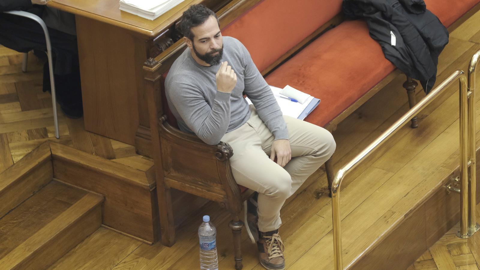 Albert López, disposat a acceptar gairebé tres anys de presó per encobrir el crim de la Urbana
