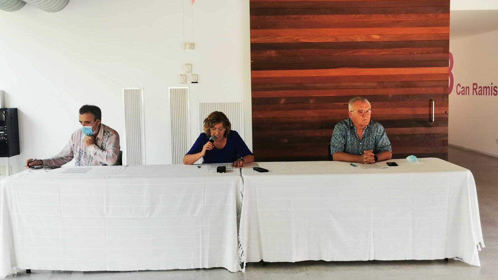Tomàs Adrover, Bàrbara Rebassa i Domingo Bonnín durant la roda de premsa.