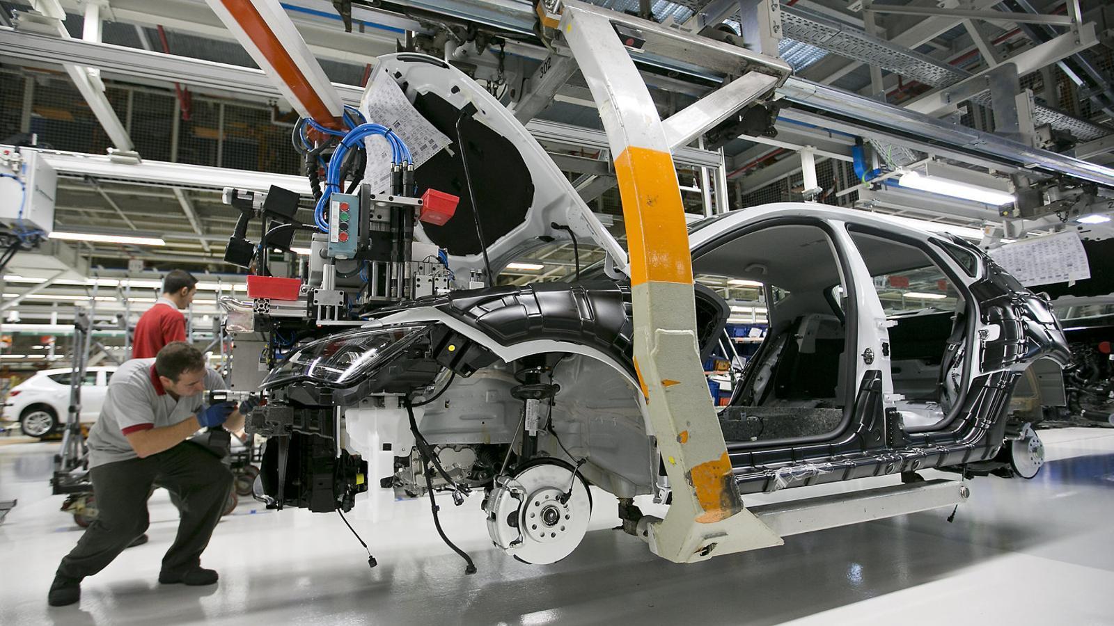 La producció de cotxes a Espanya s'ensorra un 97% a l'abril