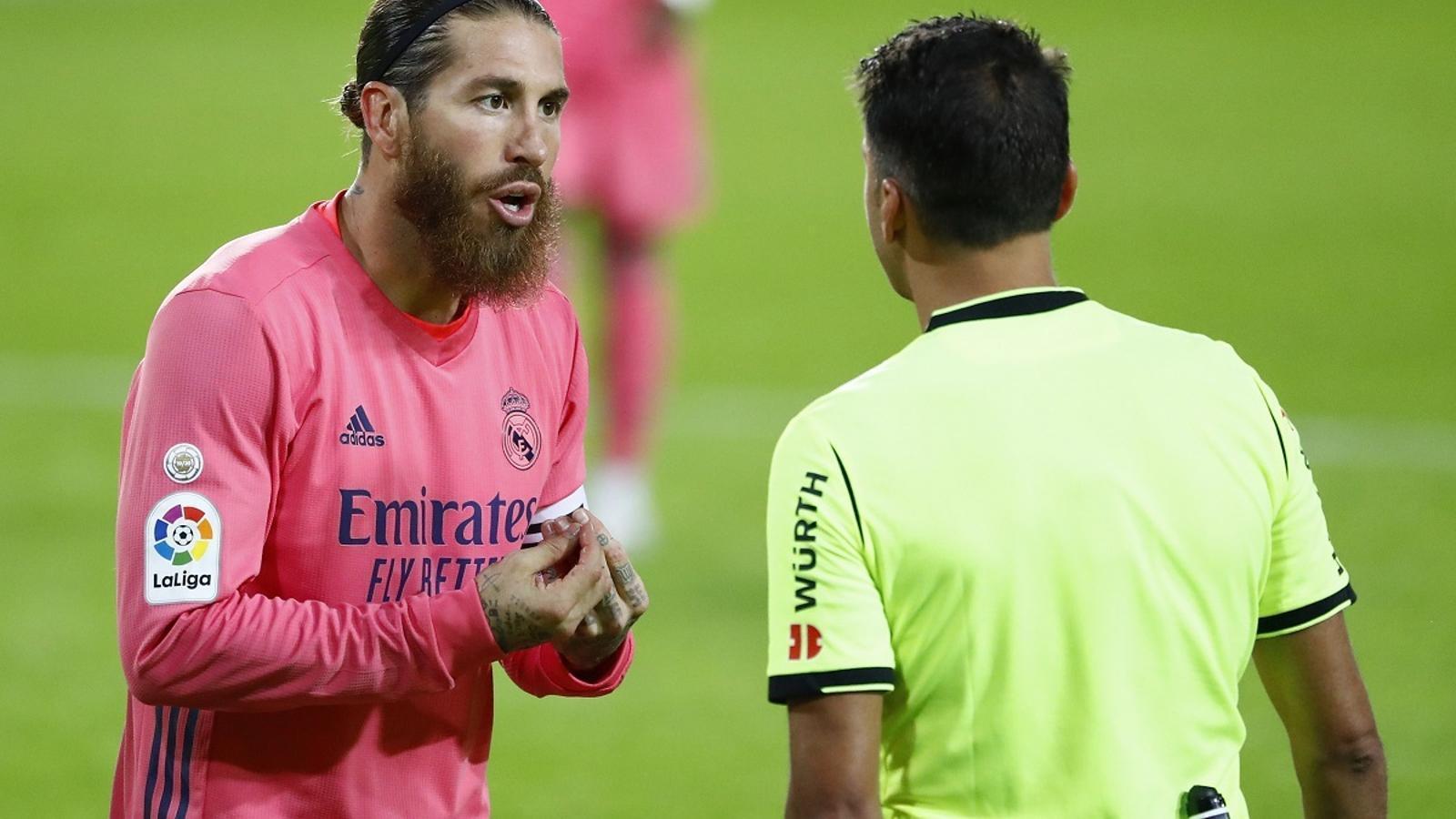 Derrota històrica del Madrid a València amb tres penals en contra (4-1)