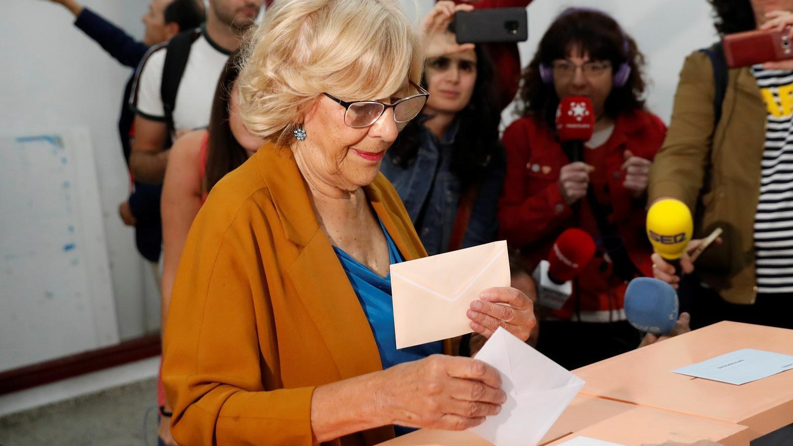 La fins ara alcaldessa de Madrid, Manuela Carmena, votant, aquest matí
