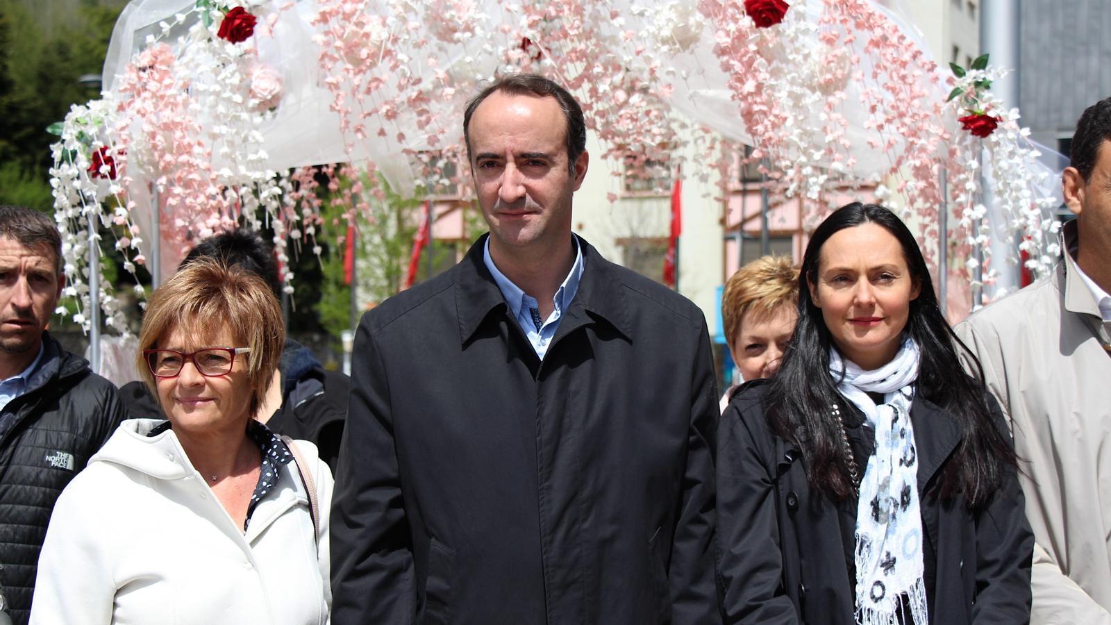 La subsíndica general, Meritxell Palmitjavila, el cònsol major de la Massana i president de Vallnord, David Baró, i la cònsol menor, Olga Molné, durant la inauguració d'Andoflora. / C. G.