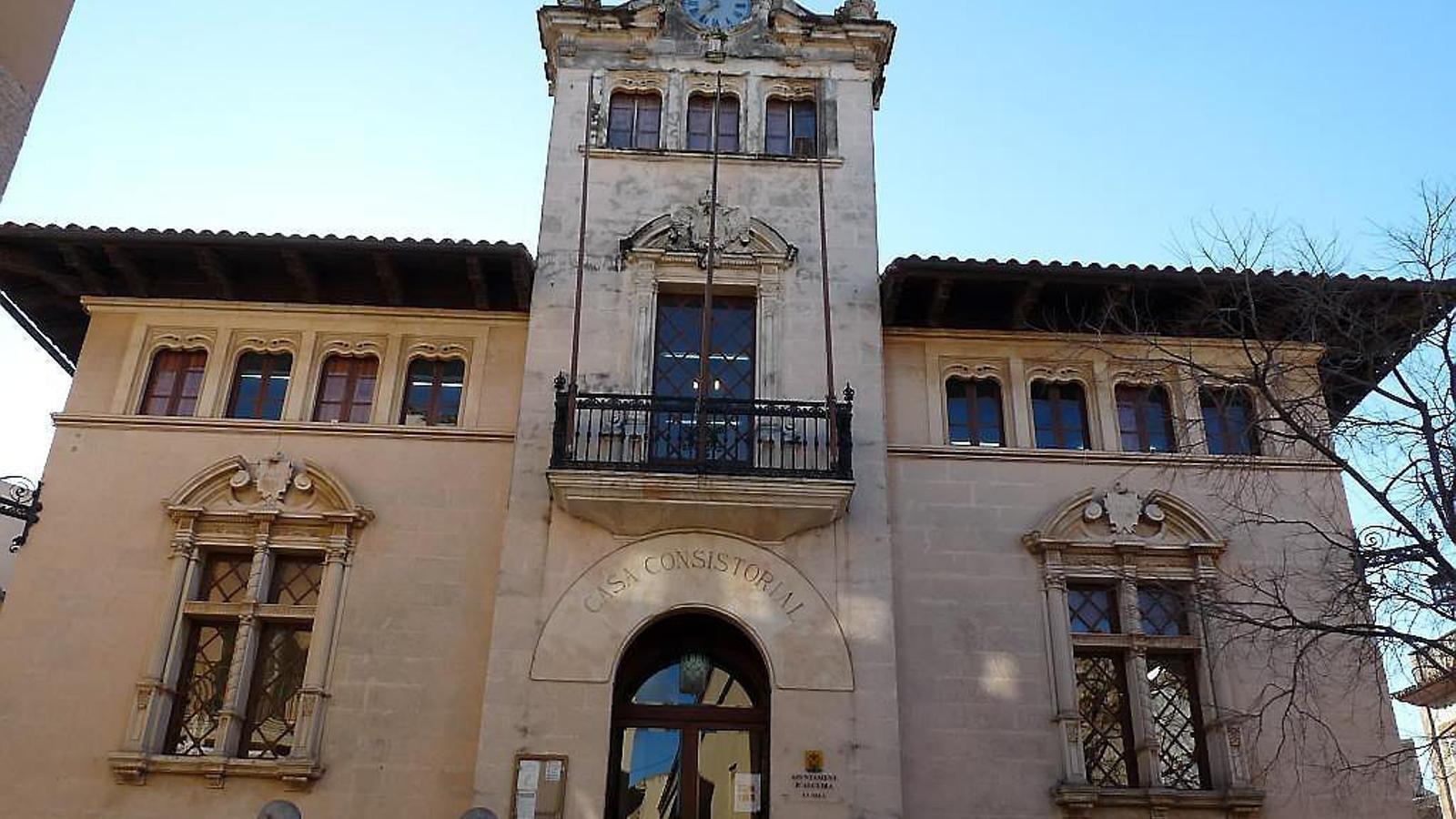UN AJUNTAMENT RIC Alcúdia només podrà gastar uns 800.000 euros dels 40 milons que té al banc.