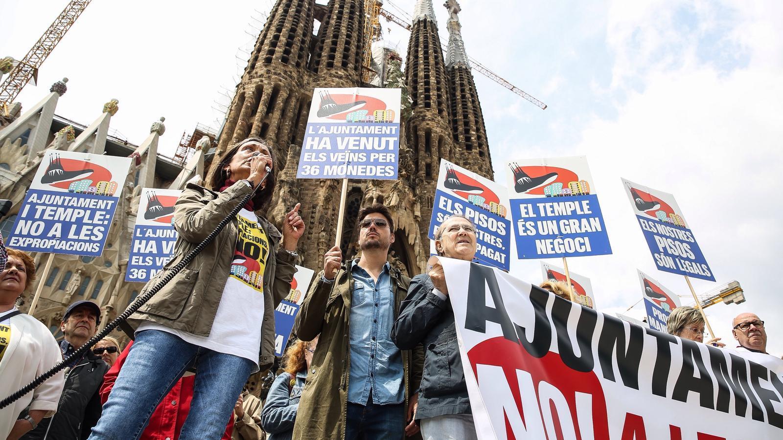 Quarta manifestació dels veïns de la Sagrada Família contra l'ampliació de la basílica