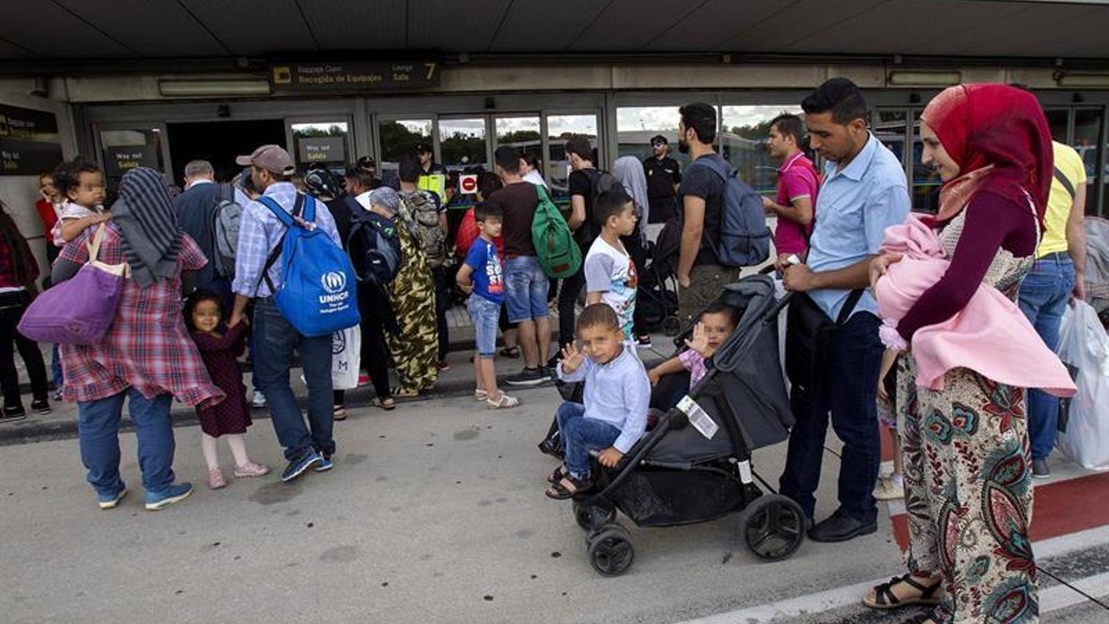Barcelona acollirà 18 dels 184 refugiats que han arribat a Espanya des de Grècia