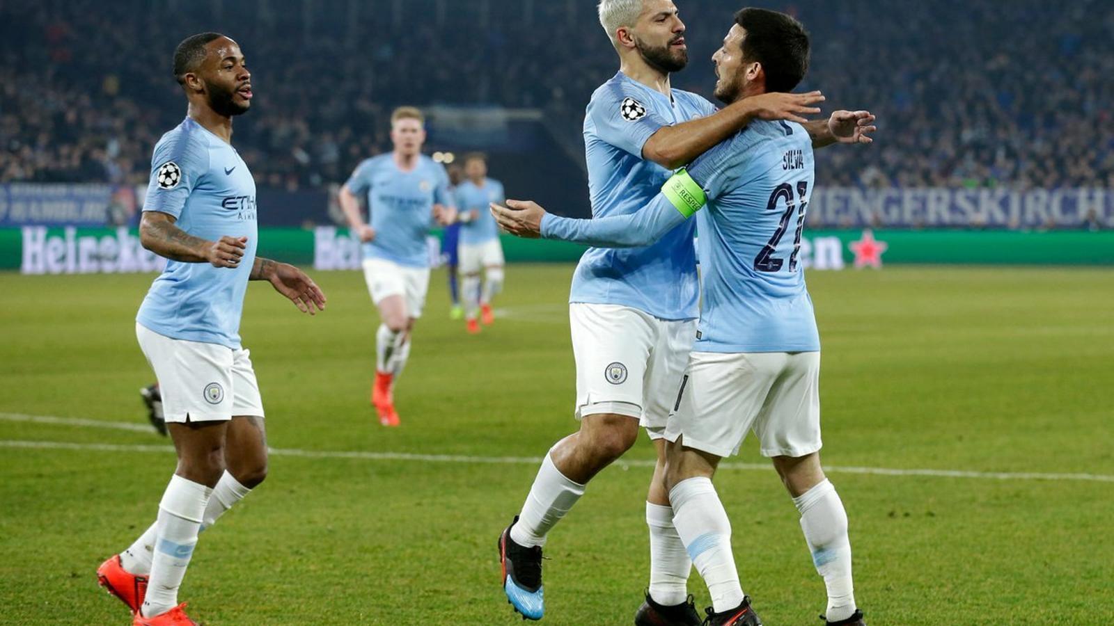 El City remunta contra el Schalke amb un jugador menys (2-3)