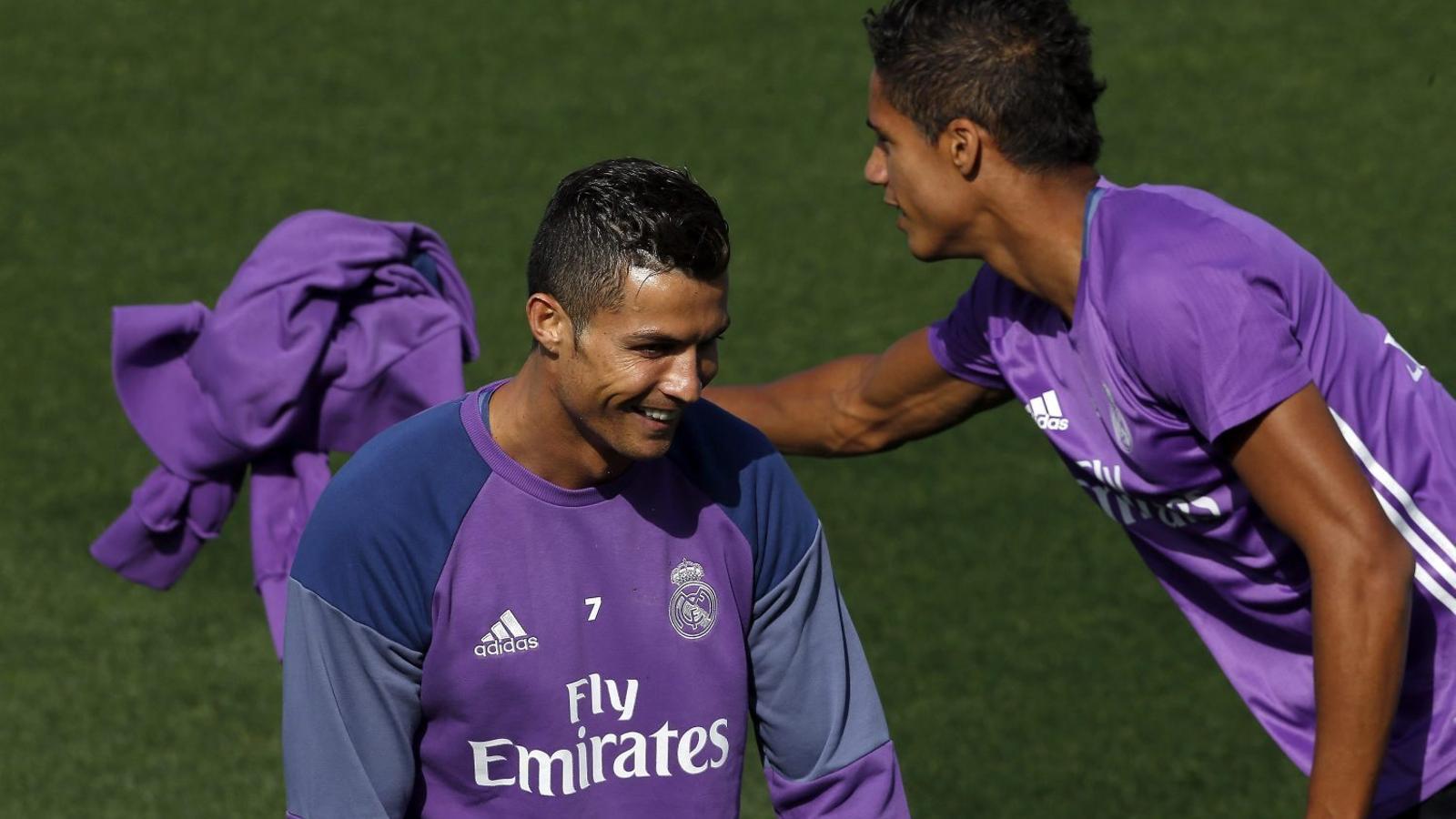 Cristiano Ronaldo i Raphaël Varane.