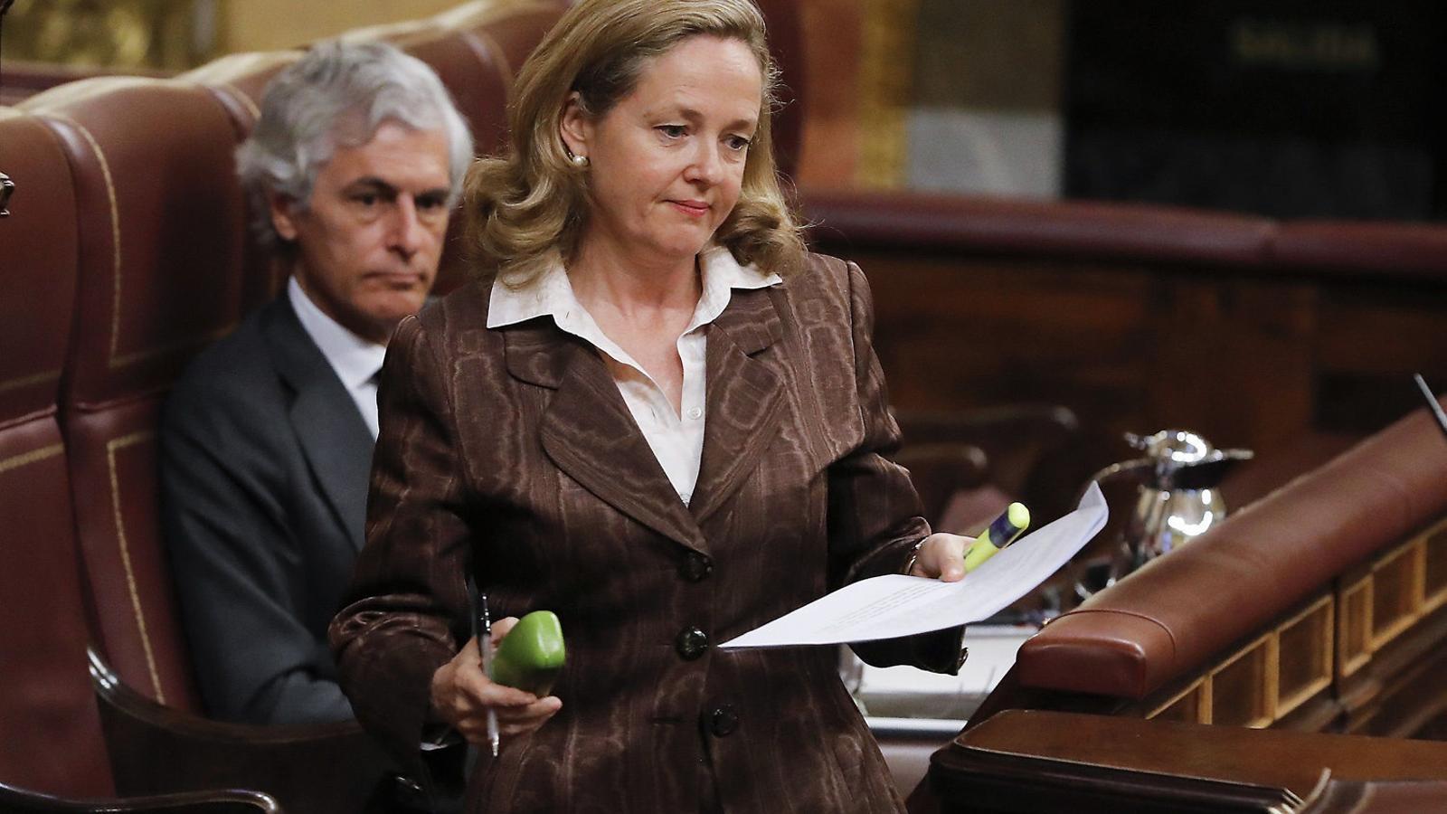 Calviño, aïllada al govern en defensa de l'austeritat