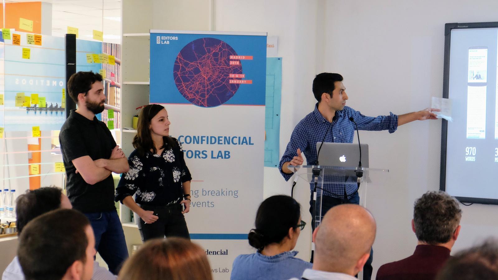 L'equip de l'Ara.cat, format per un dissenyador, una programadora i un periodista (Ricard Marfà, Idoia Longan i Auri Garcia). / GLOBAL EDITORS NETWORK